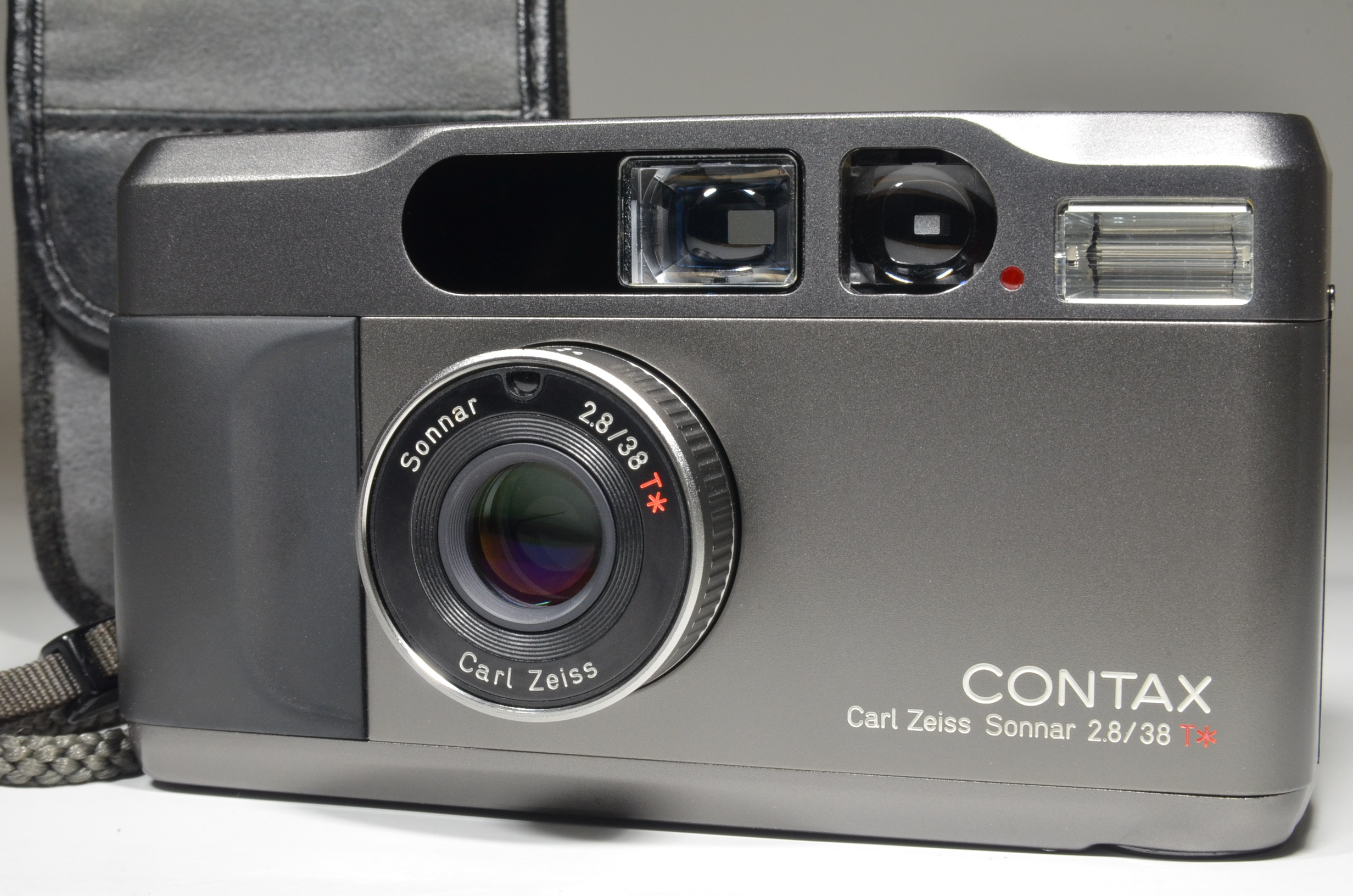 contax t2 data back black point & shoot 35mm film camera